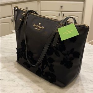 kate spade Bags - New with tags Kate Spade purse